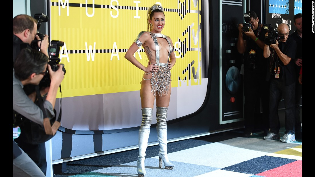 150830204501-24-vma-redcarpet-2015-mtv-video-music-aw8-jpg-super-169